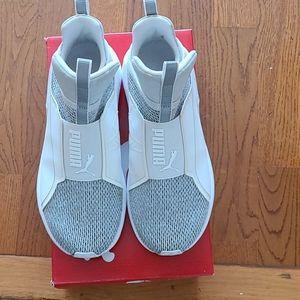 Ladies puma sneakers